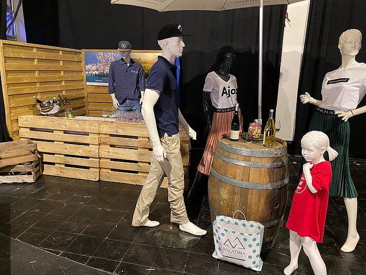 Bühne Gloria Weinfest Dehäm