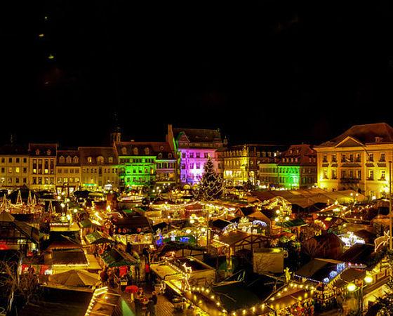 Landau Weihnachtsmarkt.Kunsthandwerklicher Thomas Nast Nikolausmarkt