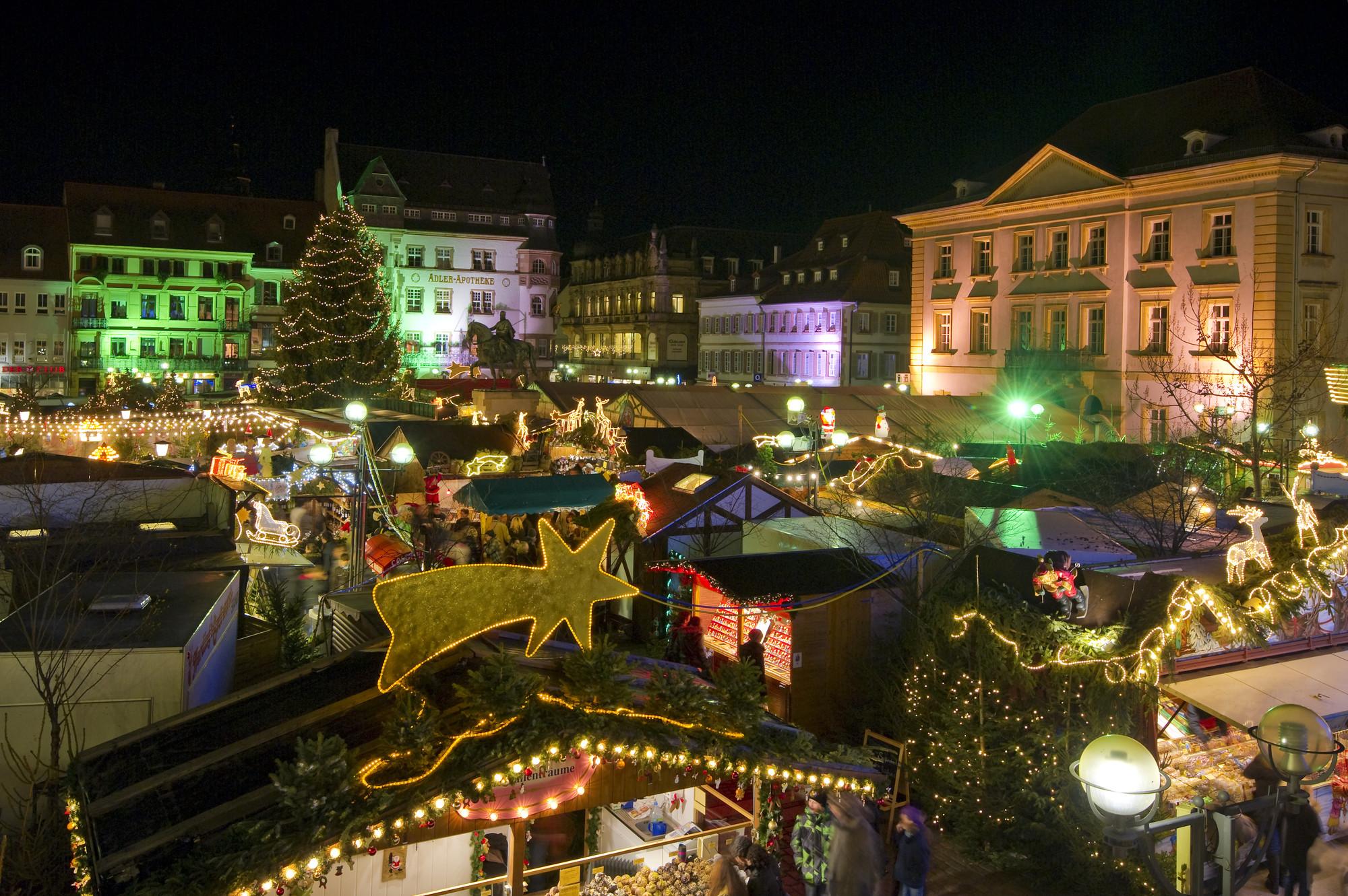 Landau Weihnachtsmarkt.Kunsthandwerklicher Thomas Nast Nikolausmarkt Suedliche
