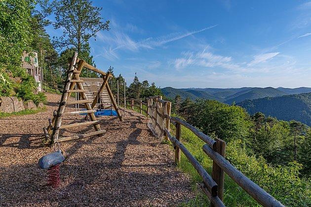 Spielplatz Jungpfalz Hütte